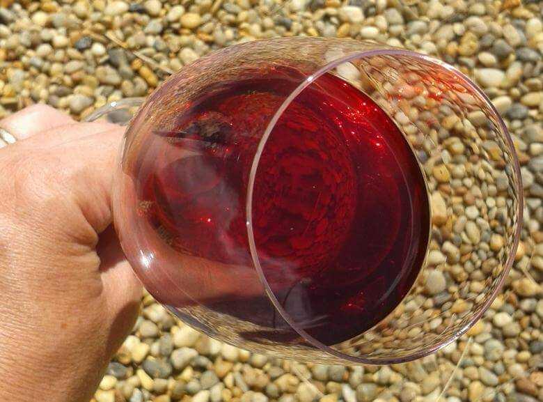 Домашнее вино из вишни без косточек. рецепт приготовления и полезные рекомендации