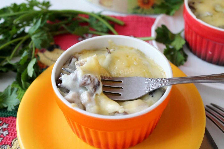 Рецепт жюльен с курицей и грибами пп. калорийность, химический состав и пищевая ценность.