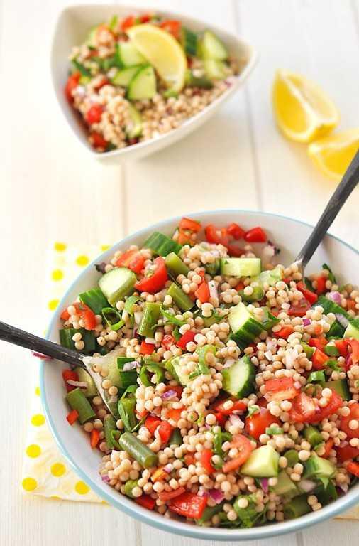 Салат с курицей, сливами и кускусом - кулинарный рецепт с пошаговыми инструкциями | foodini