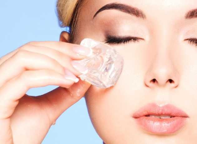 Протирать лицо льдом - польза и вред умывания, полезно ли кубиками с ромашкой, как правильно умываться по утрам, если каждое утро - отзывы