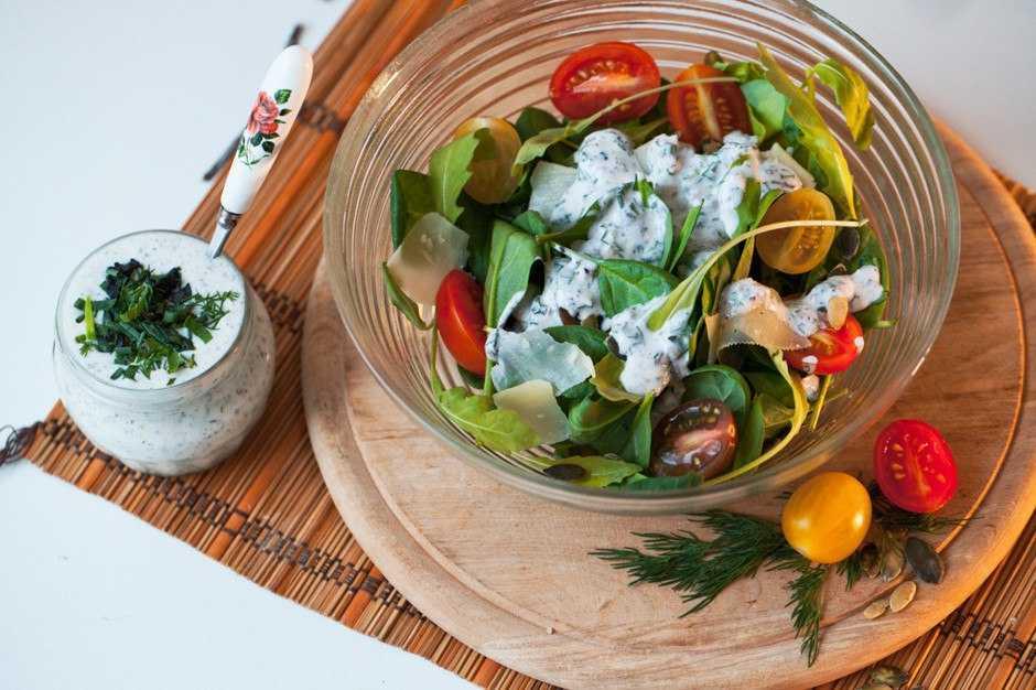 Заправки для салатов без майонеза — вкусные рецепты с фото