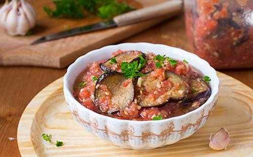 Обалденные баклажаны в аджике на зиму: 7 вкусных рецептов