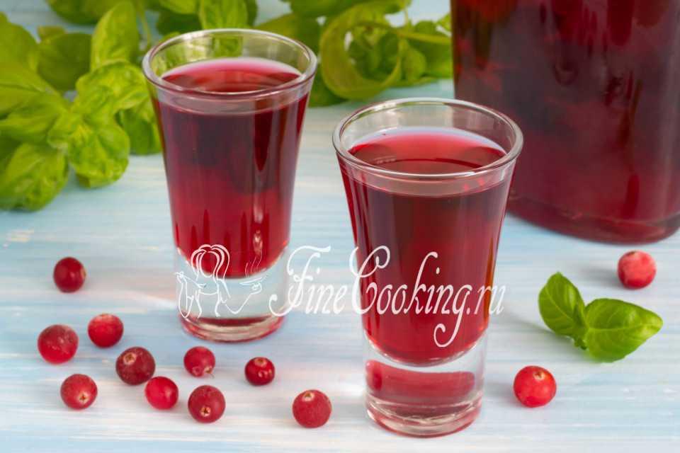 Настойка из ягод свежих и замороженных - как сделать вишневую, клюквенную, смородиновую или малиновую