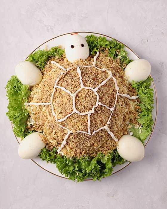 Салат черепаха с курицей и яблоком – на праздничный стол: рецепт с фото и видео