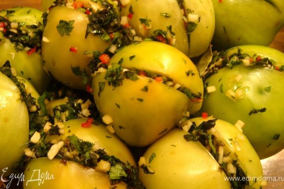 Квашеные помидоры - как готовить по пошаговым рецептам в ведре, бочке или банках на зиму