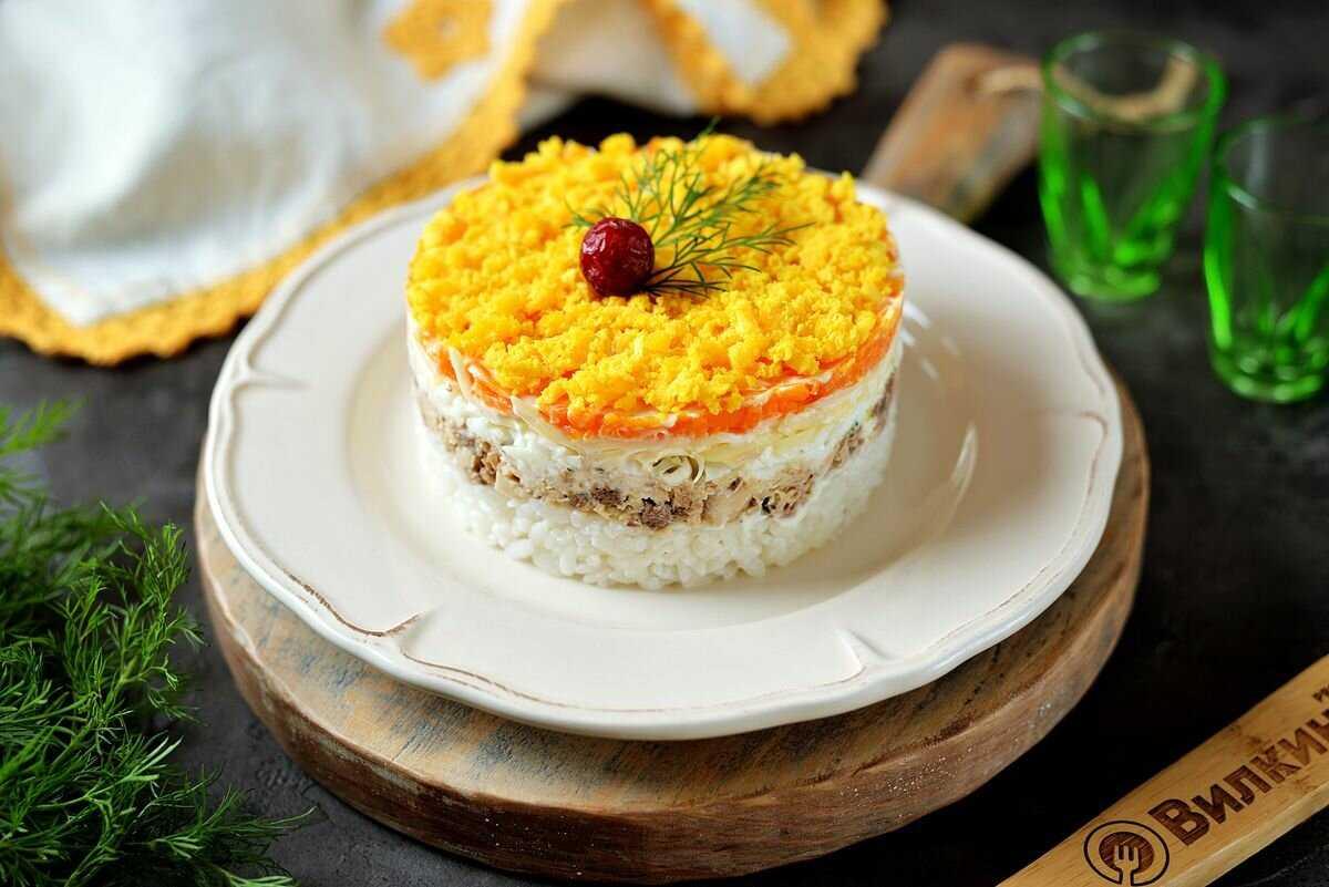 Салат «мимоза» с красной рыбой — рецепты с лососем, форелью, красной икрой