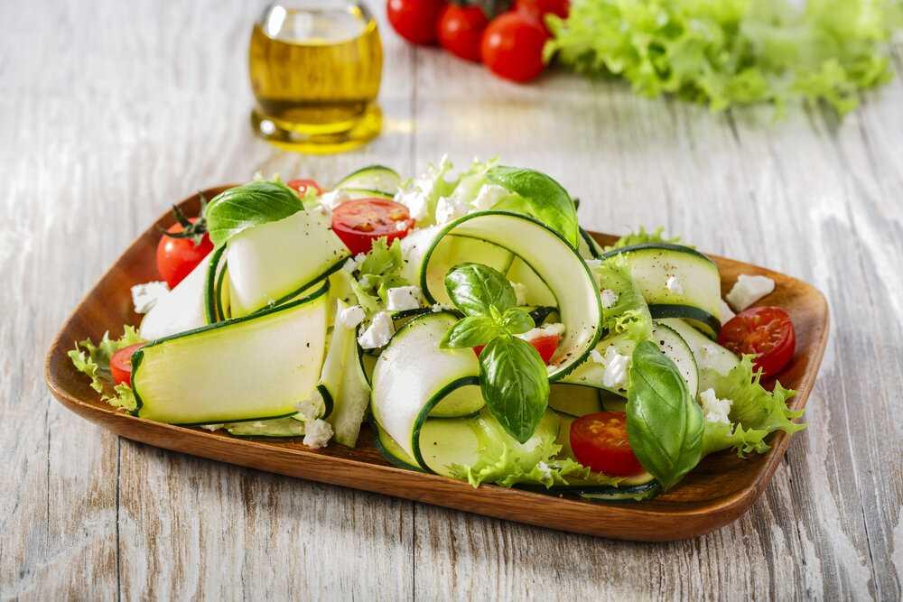 Помидоры с базиликом на зиму: по-настоящему летний салат. фото рецепт
