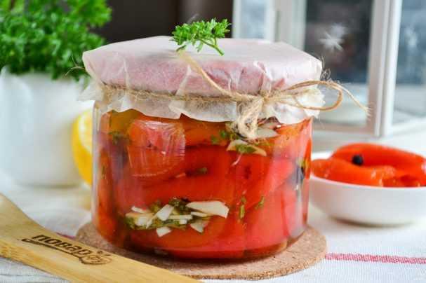 Аджика из петрушки - необыкновенно вкусная и очень пикантная приправа к любому блюду - будет вкусно! - медиаплатформа миртесен
