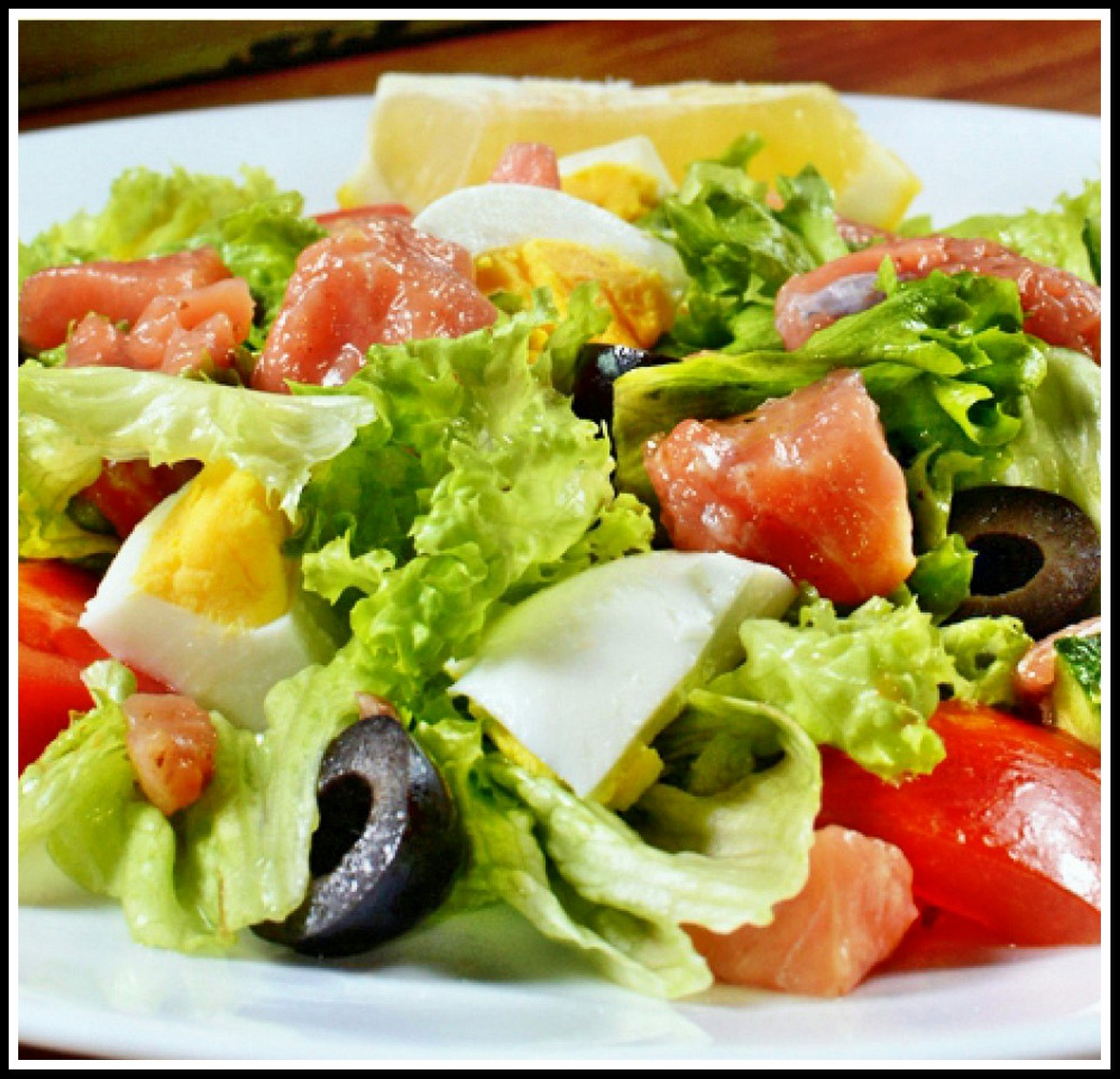 Лучшие салаты с форелью: 10 пошаговых рецептов с фото и видео