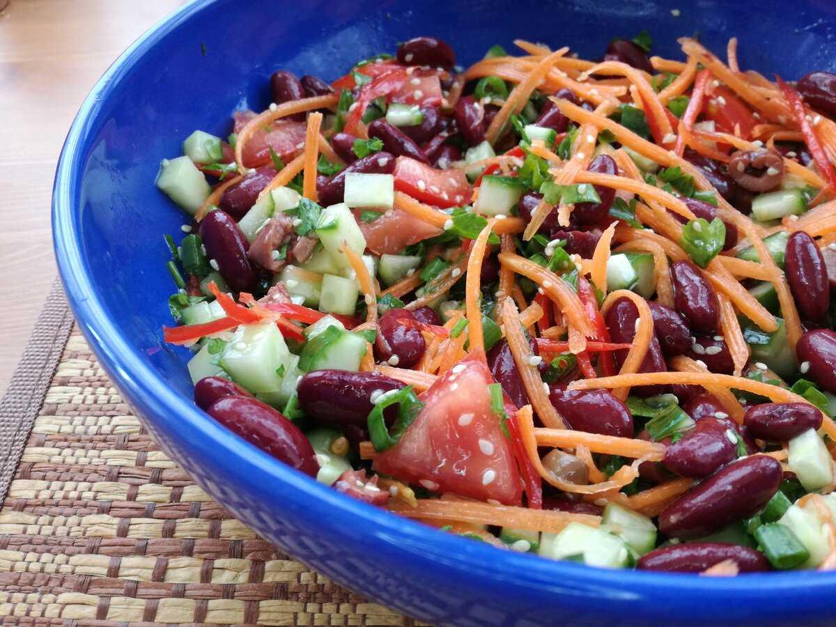 Салат с копченой колбасой и свежим огурцом