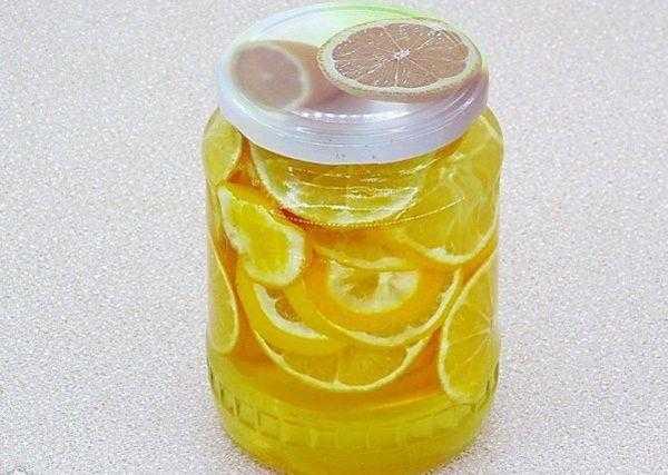 Как приготовить лимон с сахаром в банке: полезные рецепты заготовки цитруса на зиму. Какими свойствами обладает лимонно-сахарная смесь. Сколько хранится лимон с сахаром.