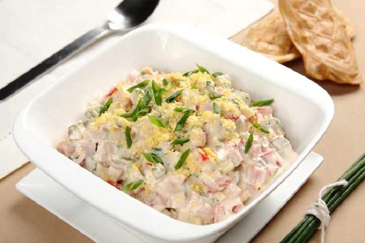 Салат с шампиньонами и ветчиной – 8 рецептов приготовления