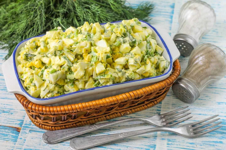 Простые салаты на скорую руку - для неожиданных гостей: рецепты с фото и видео