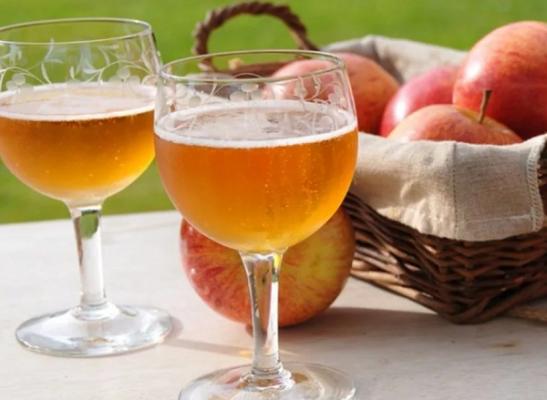 Как сделать домашнее вино из яблок несколько рецептов