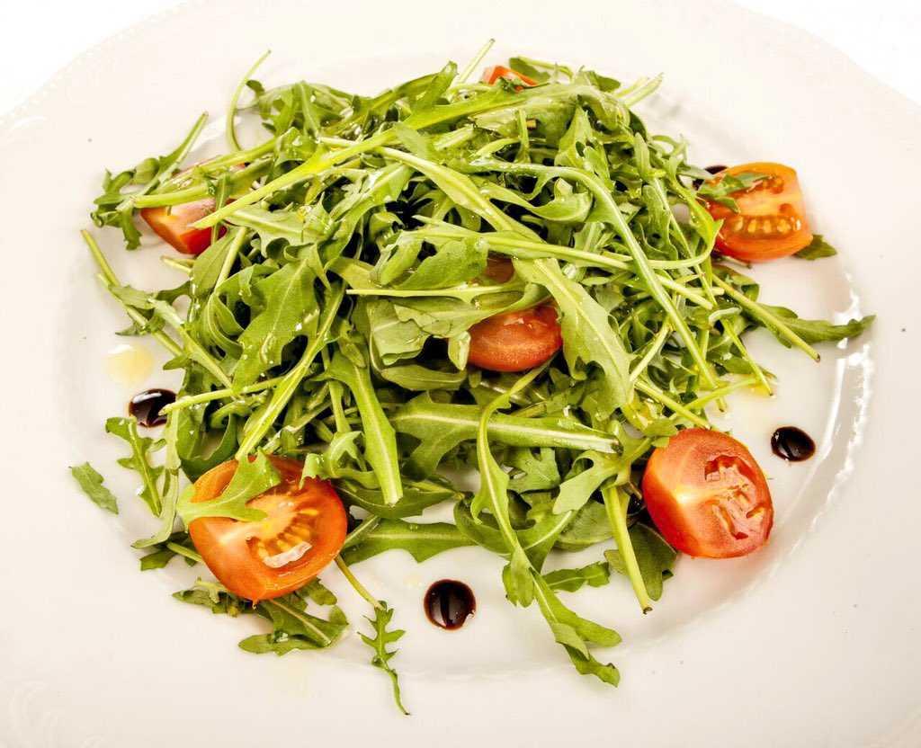 Овощной салат с жареным сыром халуми: рецепт пошаговый с фото | меню недели