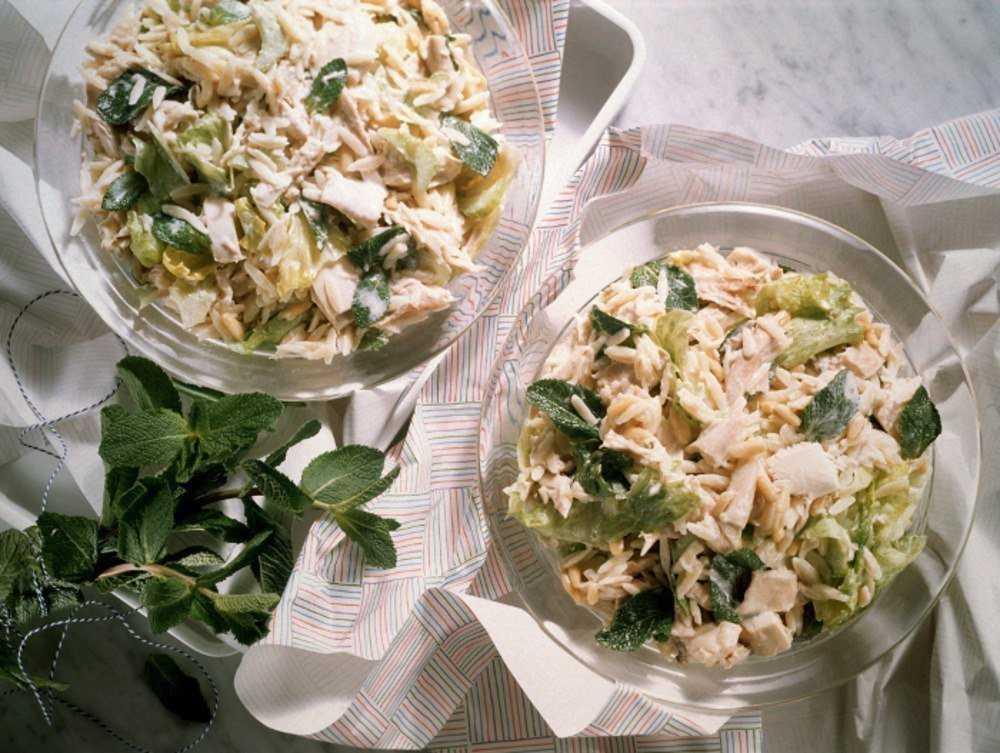 Салаты с тунцом и пекинской капустой пошагово: рецепты с фото очень вкусных блюд с китайским овощем, помидором, консервированной кукурузой, яйцами и другой едой русский фермер