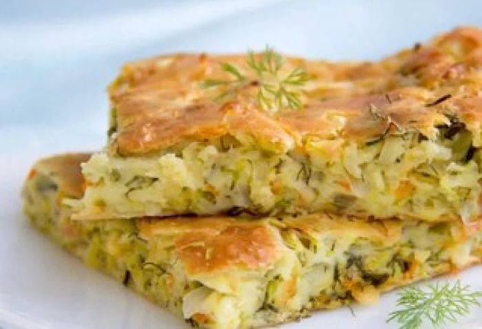 Пирог из слоеного теста с курицей: рецепт с фото