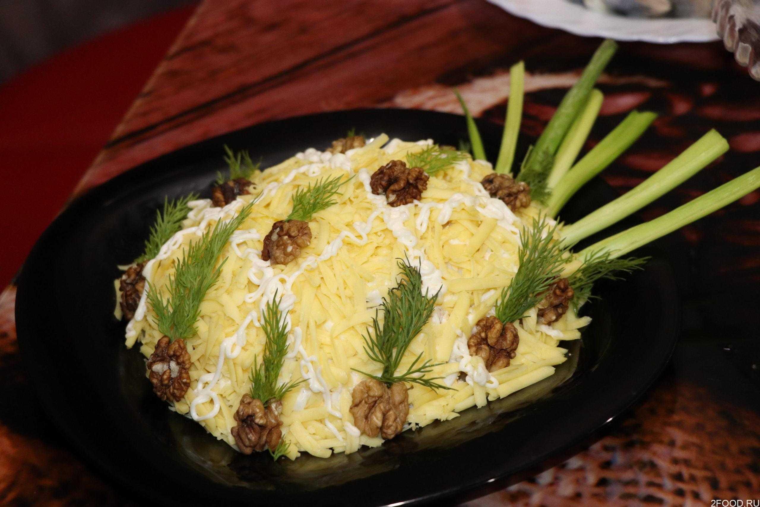 Салат с курицей ананасами и сыром слоями рецепт с фото пошагово - 1000.menu