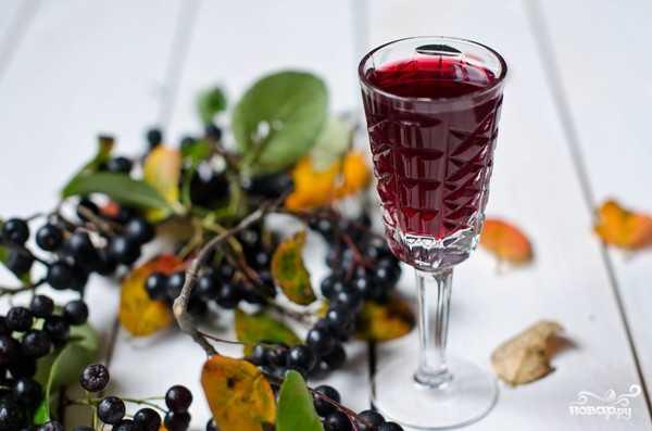 Наливка из черники, черничное вино, настойки на ягодах - рецепты