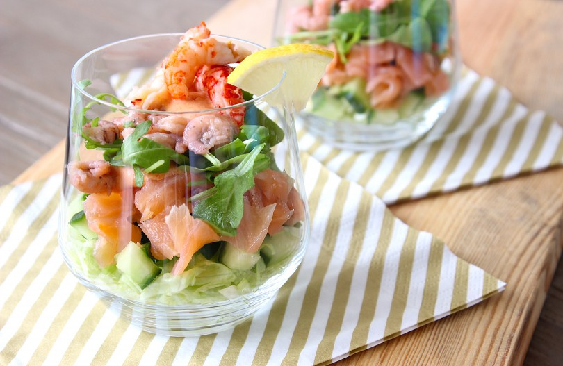Салат с вареным лососем