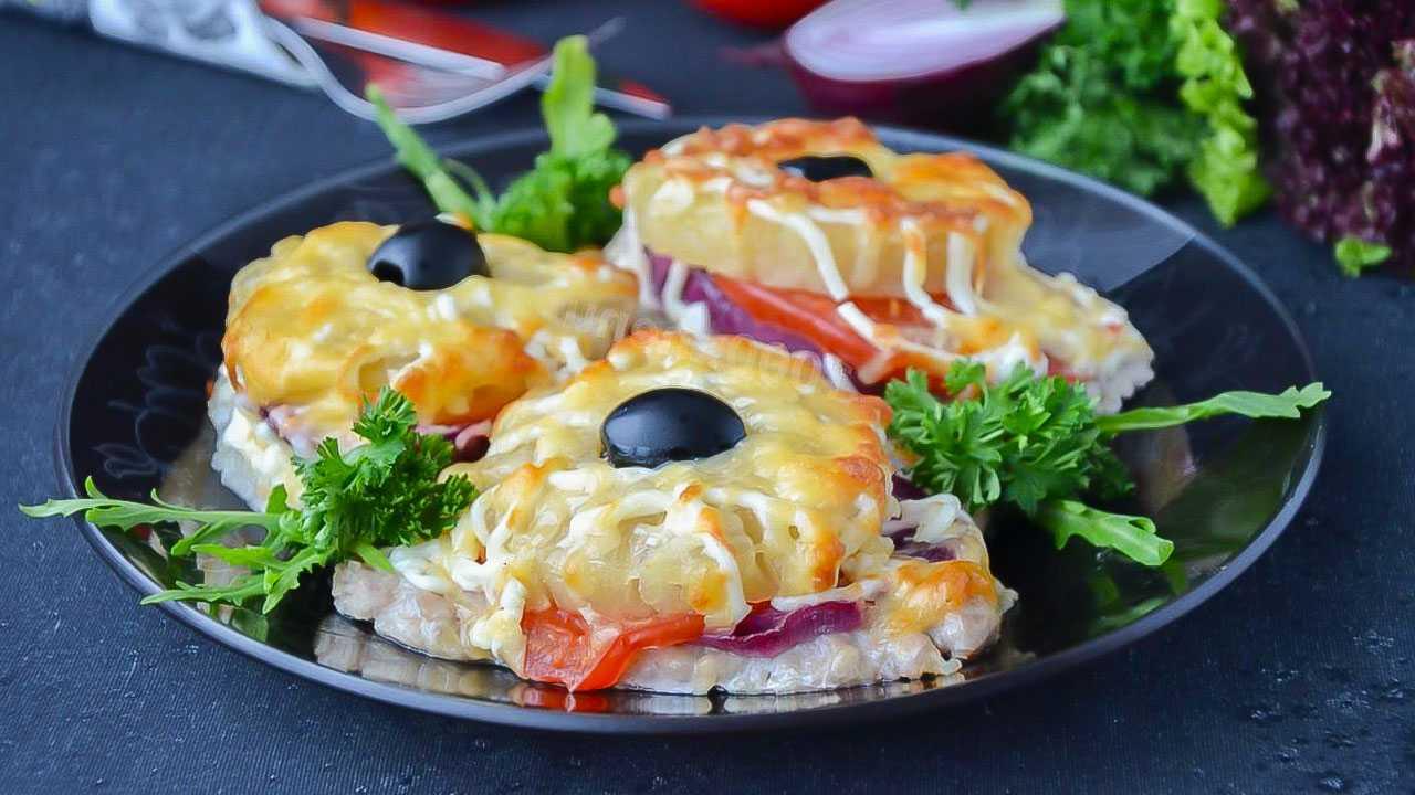Салат с маринованными грибами – 11 рецептов