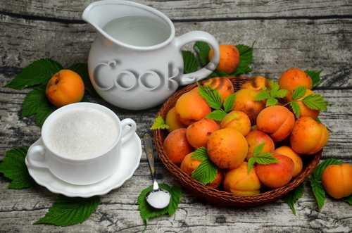 Абрикосовый сок: рецепт в домашних условиях