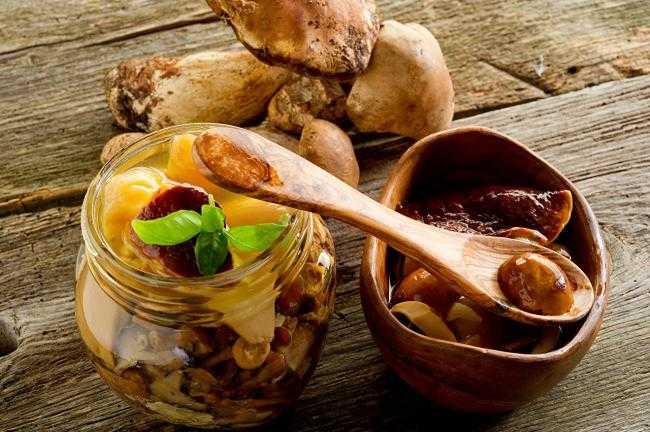 Маринованные грузди на зиму: рецепты приготовления в домашних условиях с фото и видео