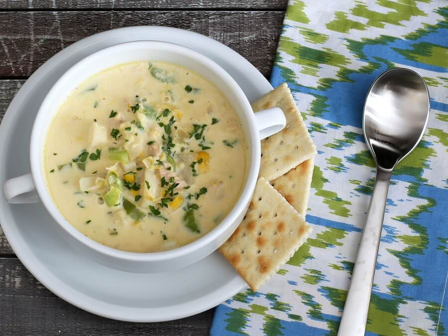 Диетический салат с консервированным тунцом: 16 рецептов к будням и на праздничный стол
