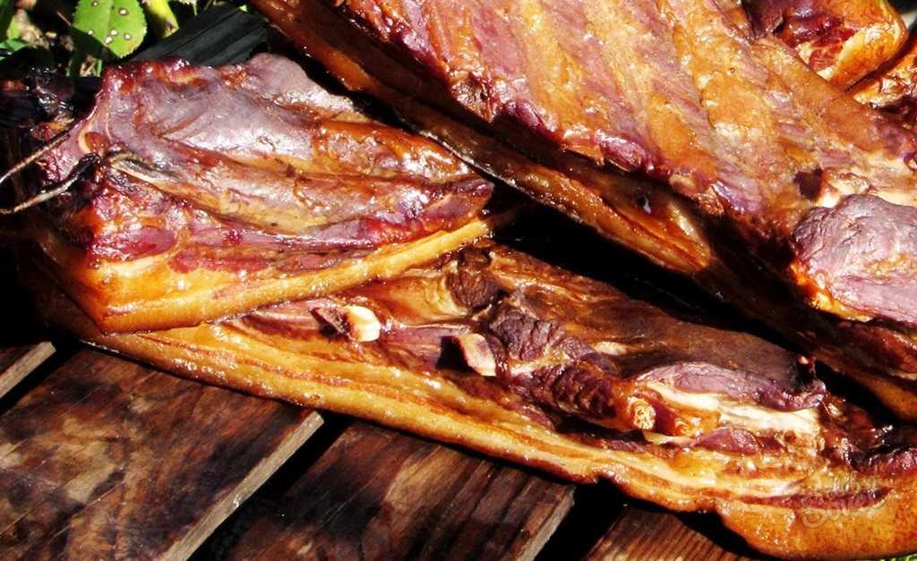 Как замариновать свиные ребрышки для горячего копчения: выбор и подготовка необходимых ингредиентов. Лучшие рецепты и способы засолки.