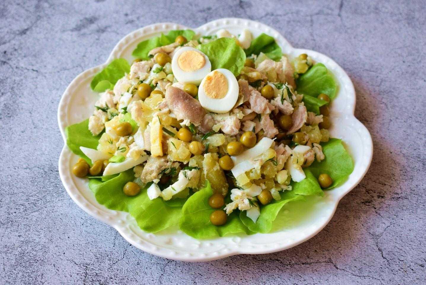 Слоеный салат с курицей – 10 фото рецептов пострясающего салата