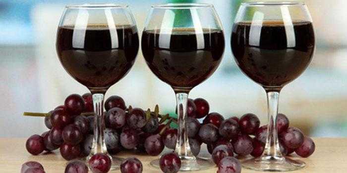 Способы изготовления вина из забродившего компота