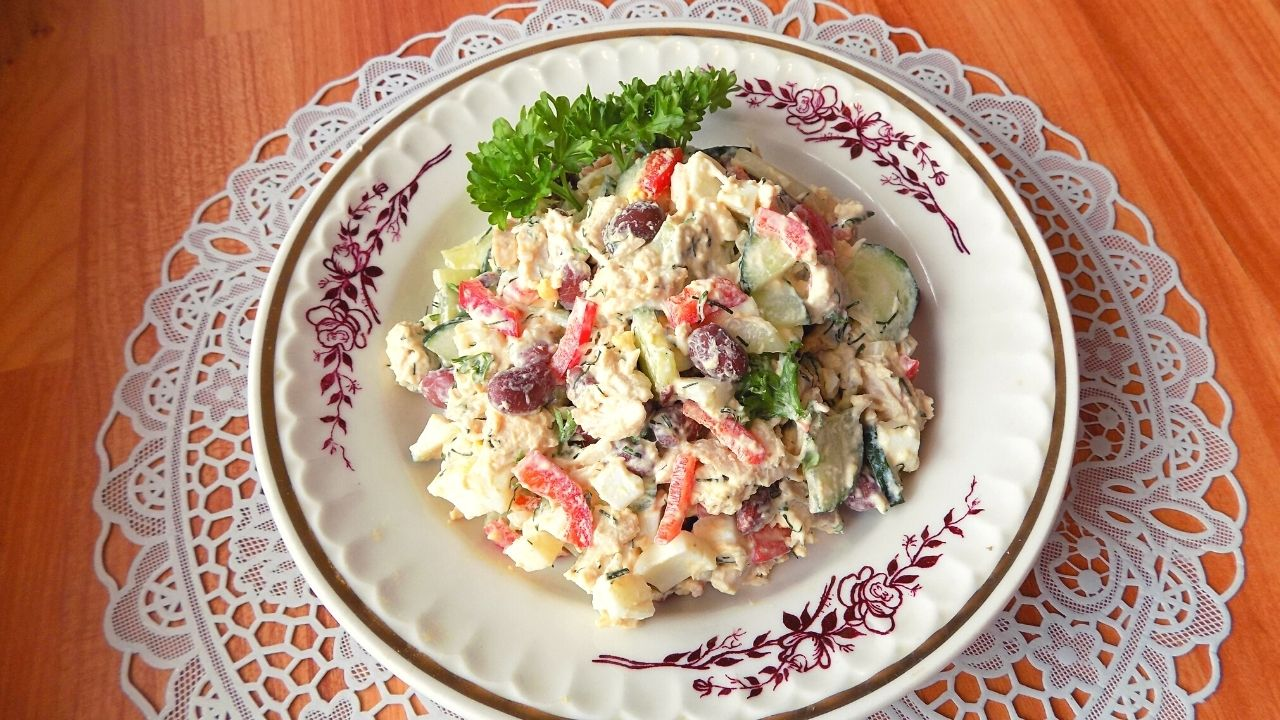 Салат с фасолью и ветчиной немецкий