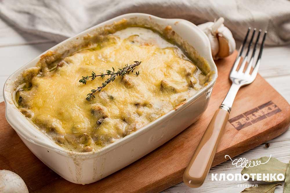 Как готовить жульен из маслят. Правила выбора ингредиентов, калорийность готового блюда. Рецепты жульена с курицей, языком, грецким орехом, а также сметаной и маслинами.