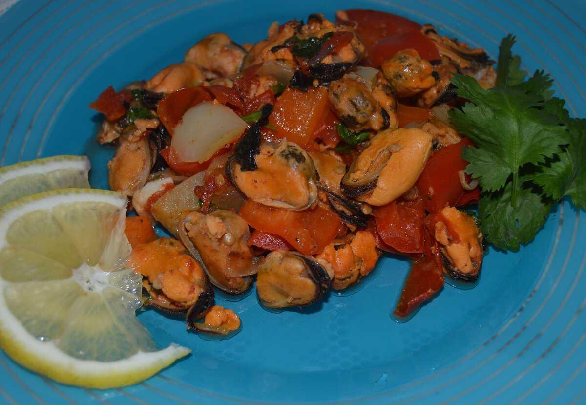 Как приготовить салат с мидиями и мандаринами: удобная печать, фотографии пошагово, личная кулинарная книга, советы поваров, поиск по калорийности, учет калорий