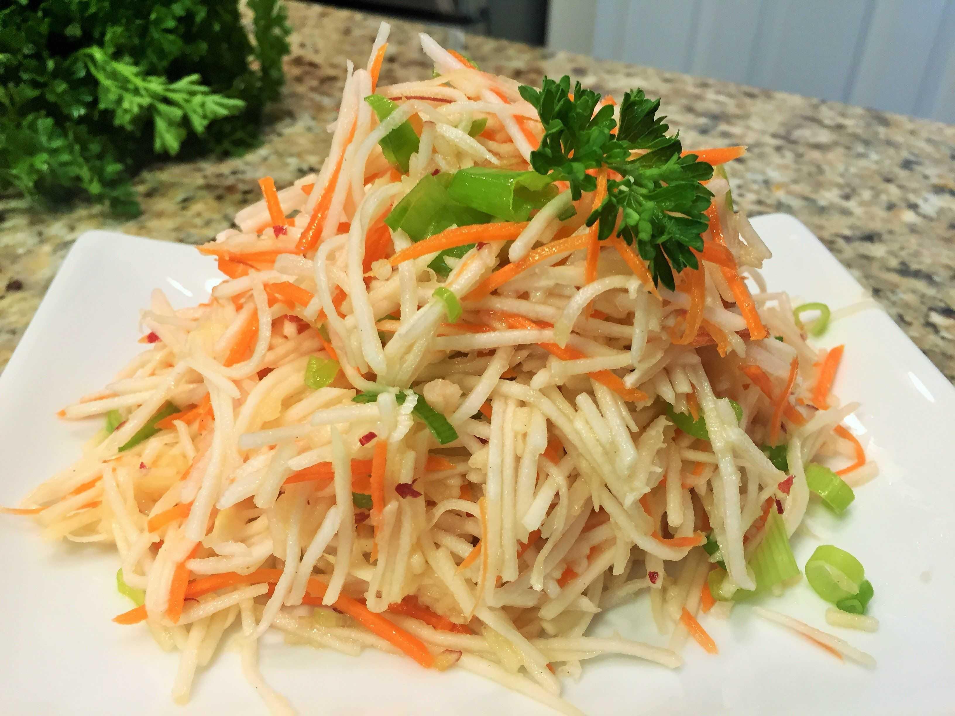 Салат из дайкона – 13 рецептов приготовления пошагово – 1000.menu