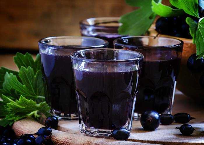 Как приготовить наливку из черной смородины в домашних условиях по простому рецепту