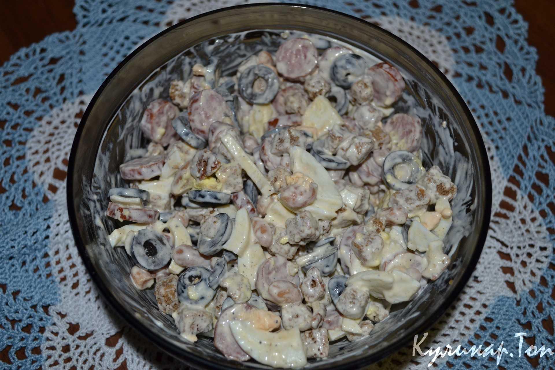 Аппетитные рецепты салатов с охотничьими колбасками