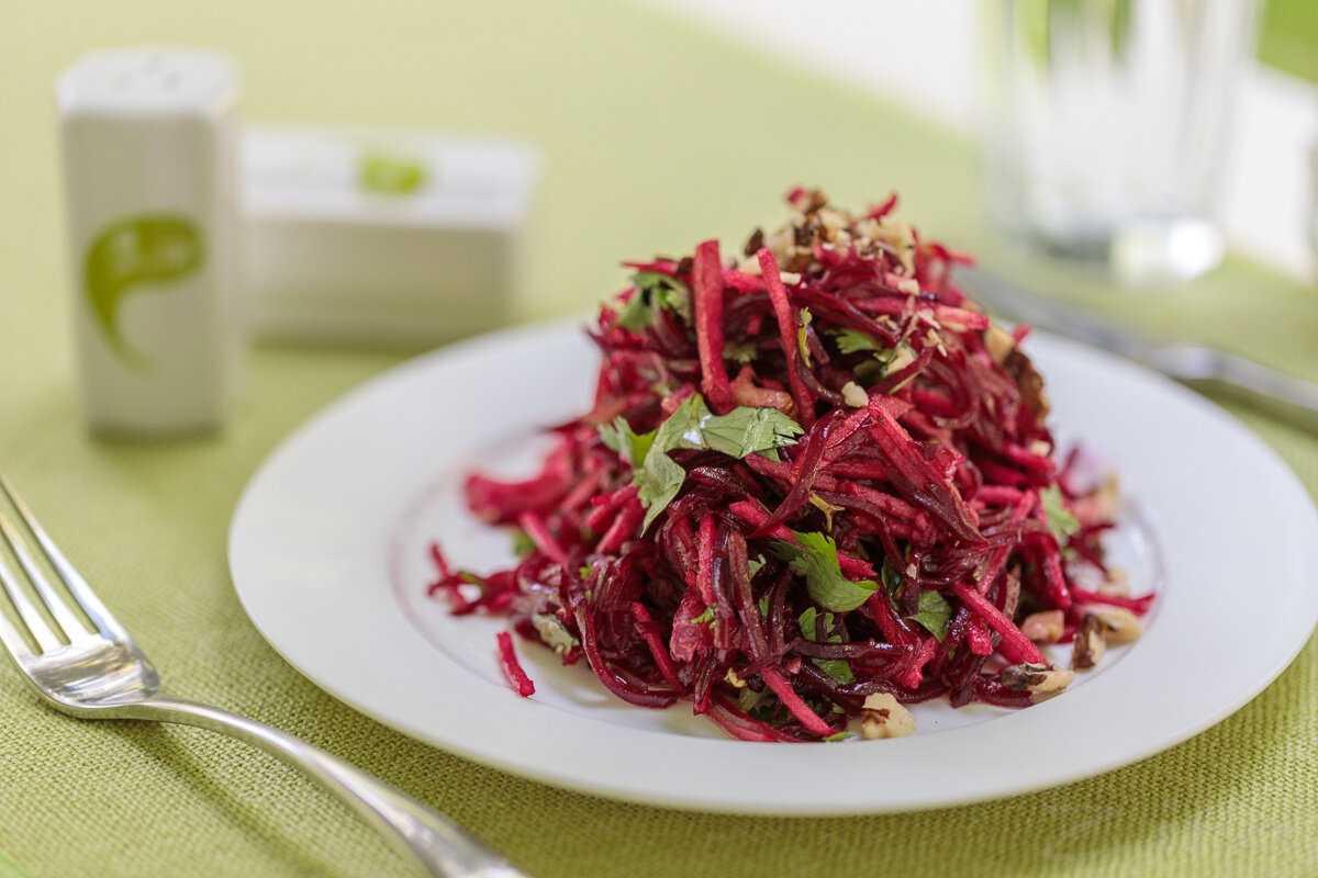 Салат из вареной свеклы. 10 рецептов простых и вкусных салатов на каждый день и праздники