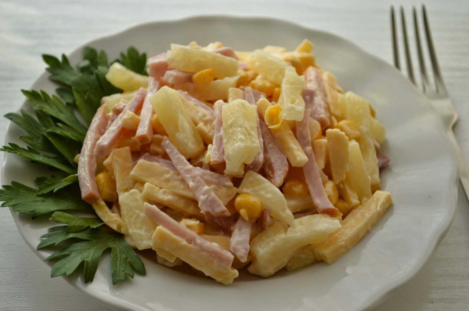 Салат с грибами сыром и ветчиной рецепт с фото пошагово - 1000.menu