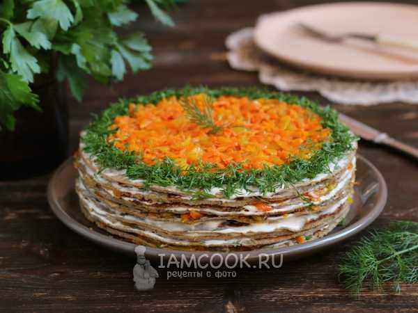 Печеночный торт из говяжьей печени и моркови со сметаной