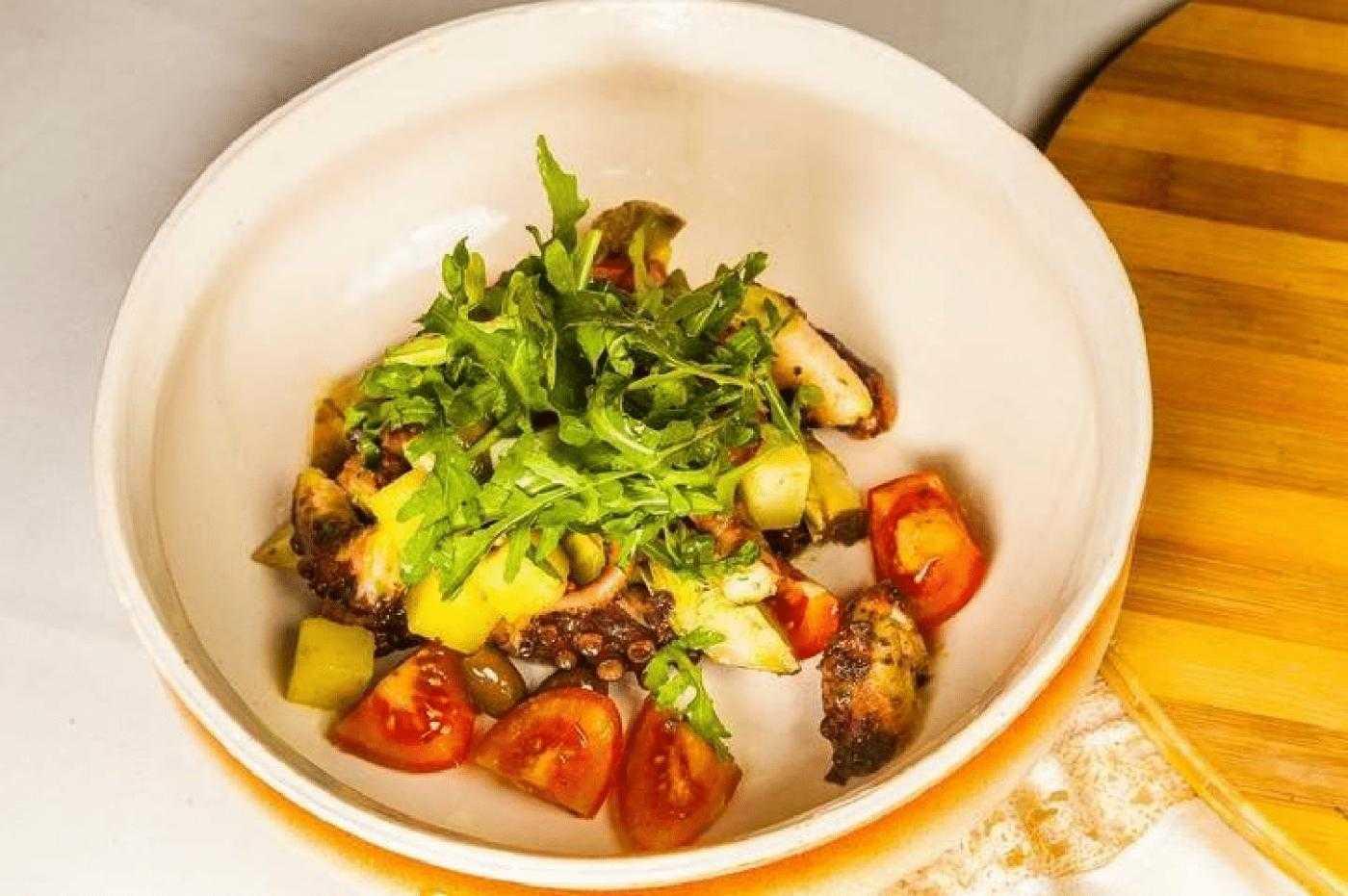 Салат с осьминогом — пошаговый рецепт с фото