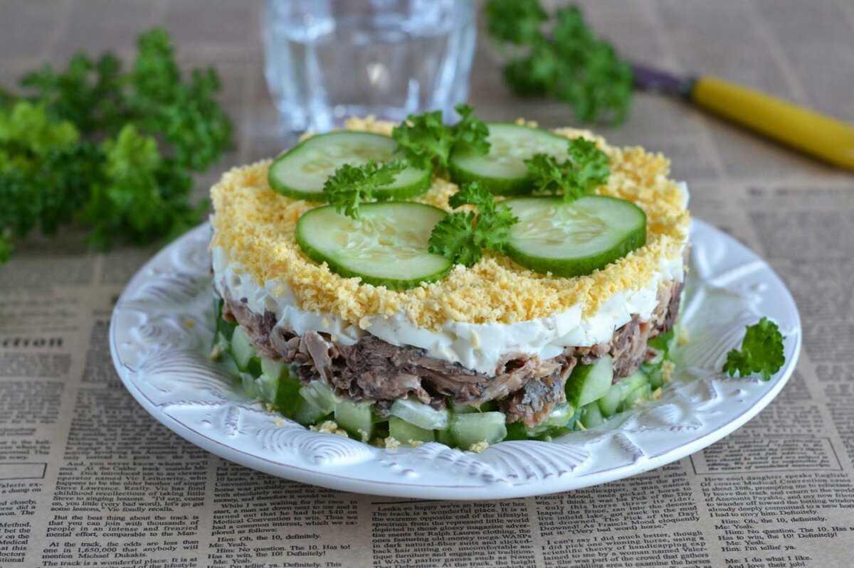 Салат с консервированным тунцом – 7 интересных фото рецептов