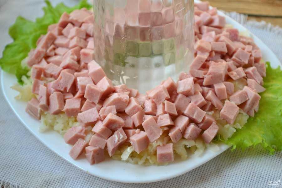 Салат столичный с мясом
