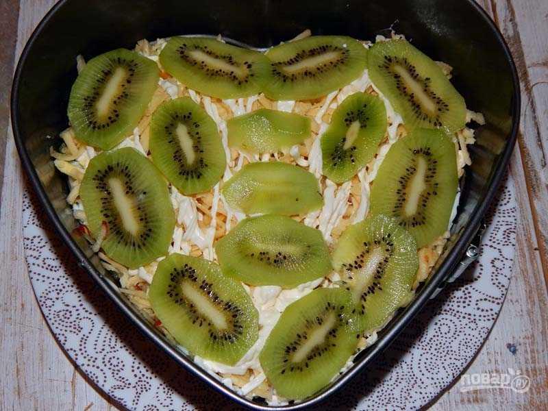 Салат малахитовый браслет с киви рецепт с фото пошагово - 1000.menu