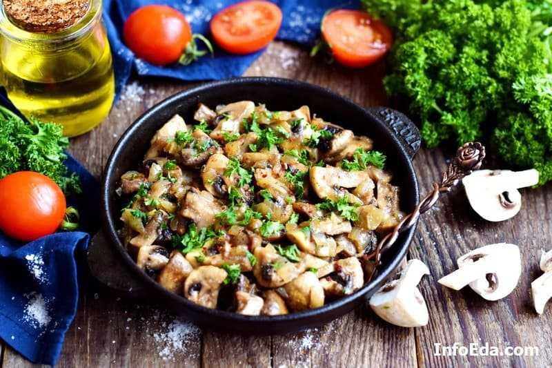 Шампиньоны в сливочном соусе, в сливках: вкусные тушеные, жареные грибы на сковороде