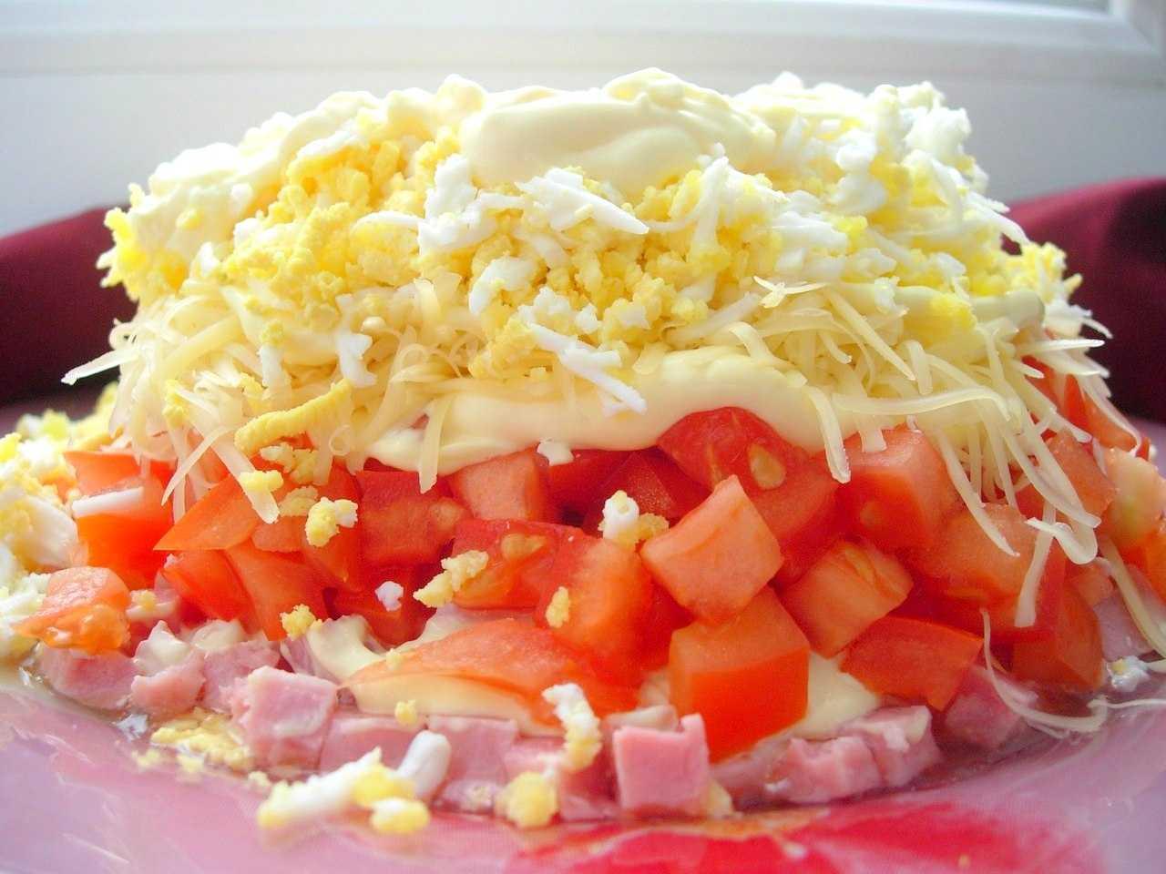 Салат за минут 5 с кириешками и кукурузой рецепт с фото пошагово - 1000.menu