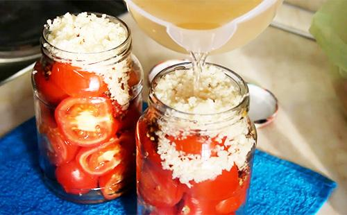5 рецептов маринования помидоров с лавровым листом на зиму