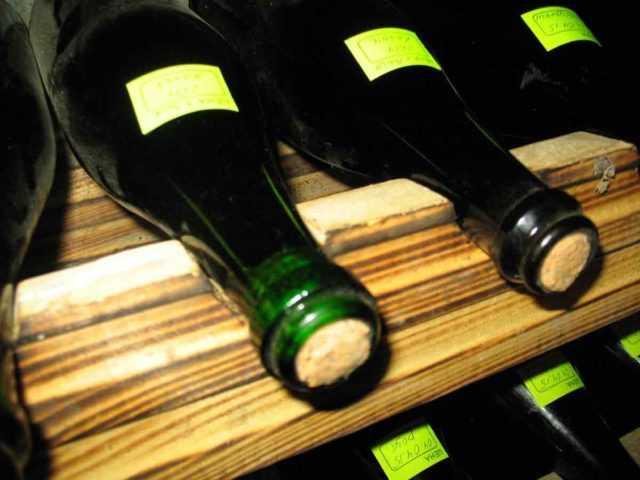 Как стерилизовать вино и тару для напитка