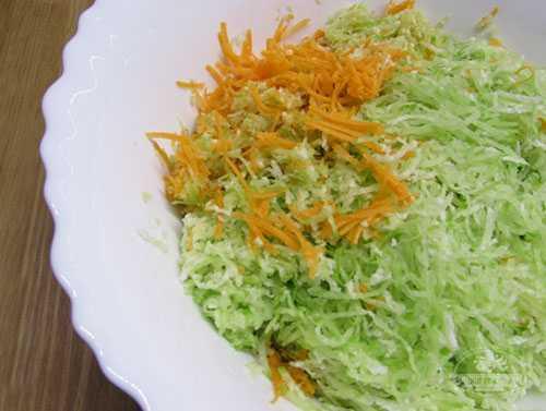 Салат из маргеланской редьки с морковью — лучшие рецепты