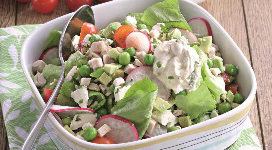 Салат со свежим огурцом, горошком и сметаной рецепт с фото пошагово - 1000.menu